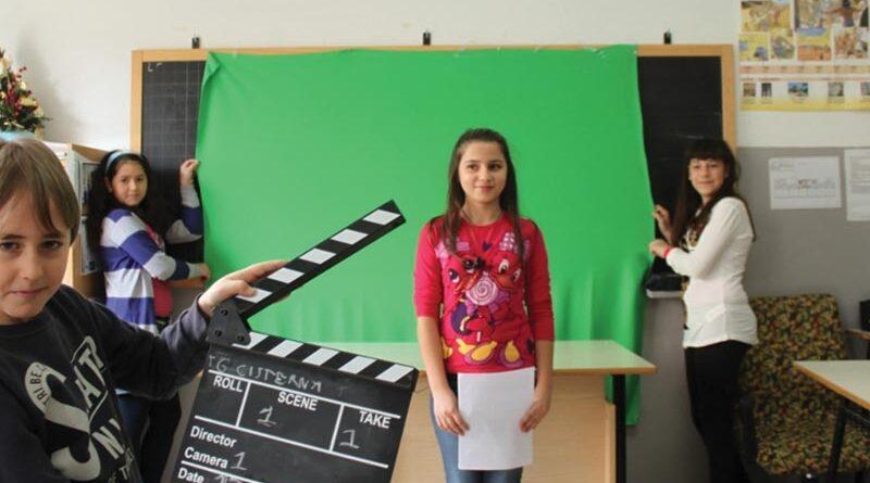 Aprendizaje invertido en la escuela primaria ¿Usar videos de manera creativa para aprovechar al máximo el tiempo en clase?